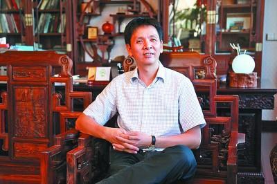 """郑春辉:成为""""大国工匠""""的木雕传承人"""