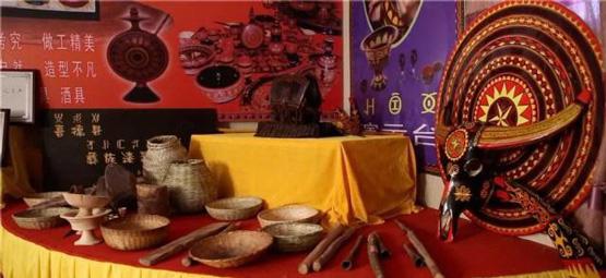 彝族文化的瑰宝:凉山彝族漆器