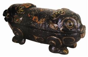 楚国墓出土猪形漆器品赏