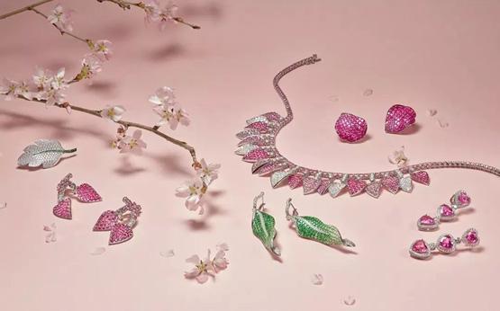 超拍前估价近两倍佳士得香港瑰丽珠宝网拍收获逾1000万港元