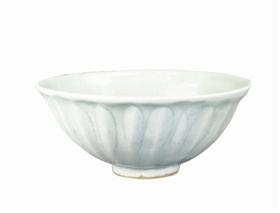 宋龙泉窑莲瓣纹碗