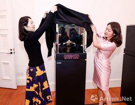 拍卖史上最大艳彩紫粉红钻!佳士得2021香港春拍内地巡展首站亮相上海